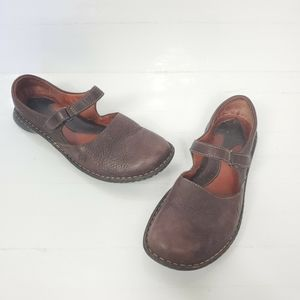 BORN Womens 9 M Flats Mary Jane Brown Loafers